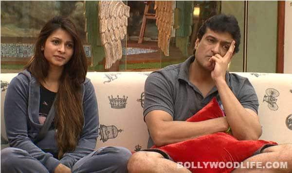 Bigg Boss 7: Will Armaan Kohli leave Tanishaa Mukherji and go back to his girlfriend?