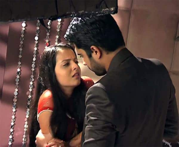 Iss Pyaar Ko Kya Naam Doon 2: How should Astha avoid going for a honeymoon with Shlok?
