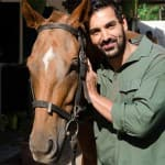 John Abraham pledges support for the ban of Victoria carriages