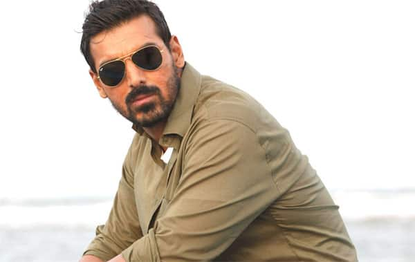 John Abraham, happy birthday! Send your wishes!