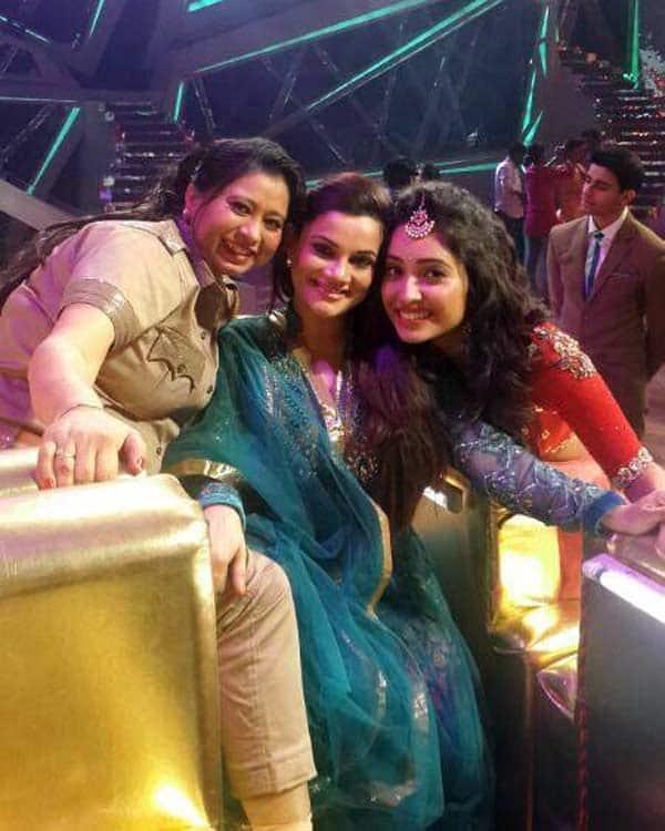 Nach Baliye 6: Kanika Maheshwari bonds with Asha Negi, Riddhi Dogra and Kashmera Shah