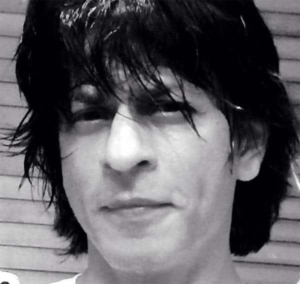 Shahrukh Khan's new look revealed!