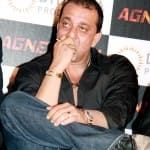 Sanjay Dutt seeks for a parole extension after Manyata's hospitalisation