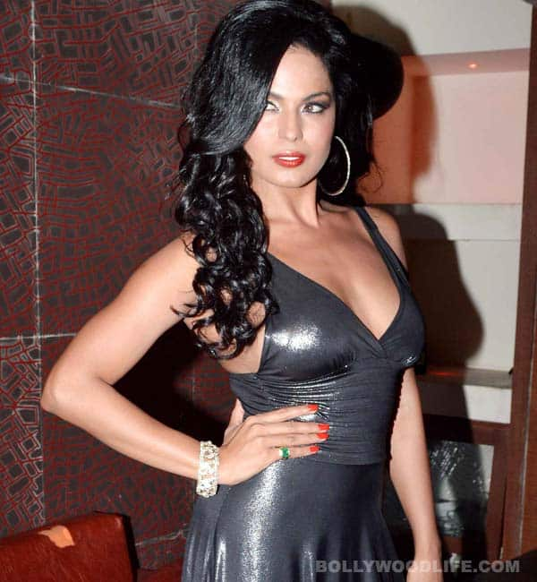 Is Veena Malik tired of her pin-up girl image?