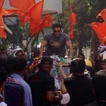 Salman Khan's dhamaakedaar entry on the sets of Dance India Dance 4 for Jai Ho promotions - View pics!