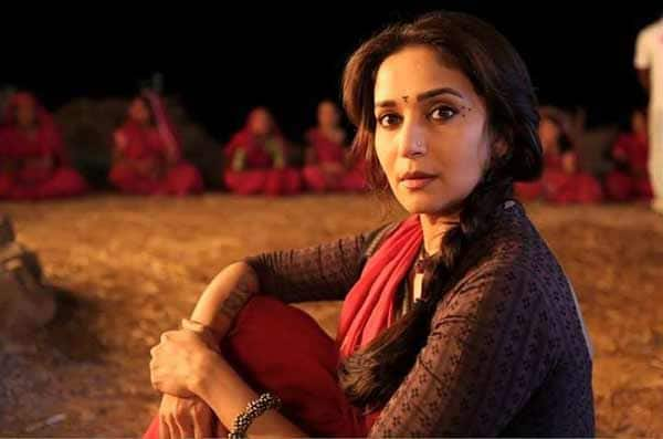 Gulaab Gang song Dheemi dheemi si: Madhuri Dixit-Nene wins our hearts with her expressions!