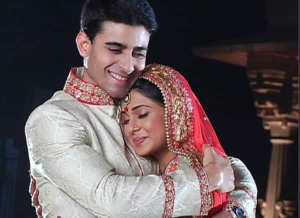 Saraswatichandra video: Kumud and Saras finally marry with ...