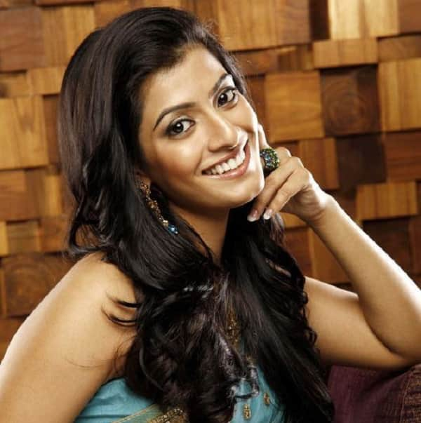 Varalaxmi Sarathkumar to do Karakattam in Bala Pazhanisaamy's next!