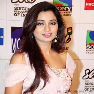 Shreya Ghoshal launches her first Ghazal album Humnasheen!