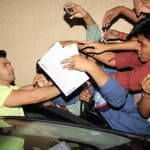 Who tore Varun Dhawan's shirt?