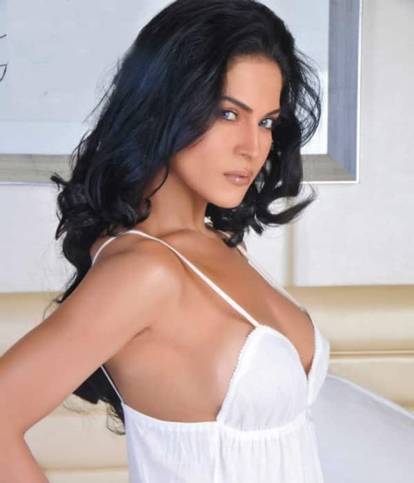 Why did Veena Malik say India sucks?