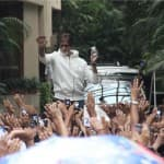 Was Amitabh Bachchan troubled by an unruly mob?
