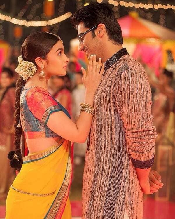 2 States song Iski uski: Arjun Kapoor woos Alia Bhatt in Punjabi ishtyle!