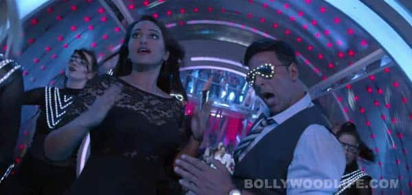 Holiday song Blame the Night making: Akshay Kumar and Sonakshi Sinha learning new dance form called popping!