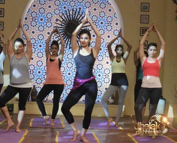 Jhalak Dikhhla Jaa 7 promo: Mouni Roy does a Priyanka Chopra!