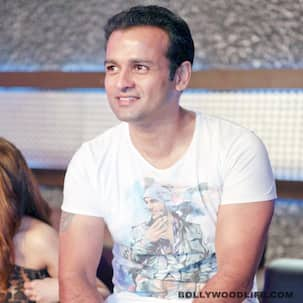 Why did Rohit Roy agree to play a cop in Manoj Bajpai's TV show Encounter?