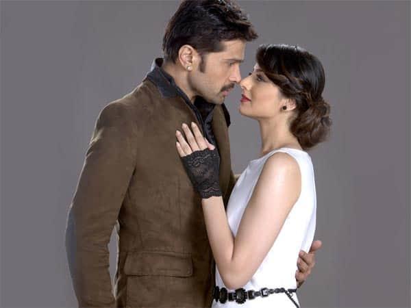 Is Himesh Reshammiya smitten by The Xpose co-star Zoya Afroz?