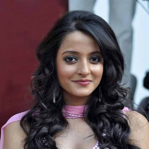 Why does Raima Sen prefer playing a doctor's role repeatedly?
