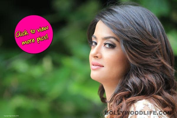 Surveen Chawla turns conservative post Hate Story 2 – view pics!