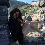 Anushka Sharma flaunts her sexy legs!