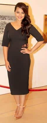 Sonakshi Sinha looks ravishing in a black Nikhil