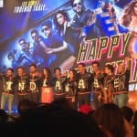 Shah Rukh Khan's king size treat at Happy New Year trailer launch on the eve of Independence Day!