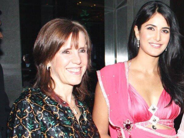 Kitrena kaif catch on sex tape at srilanka hotel in awards 2011 - 3 2