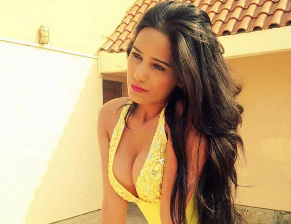 Social networking site Facebook deactivates Poonam Pandey's account!