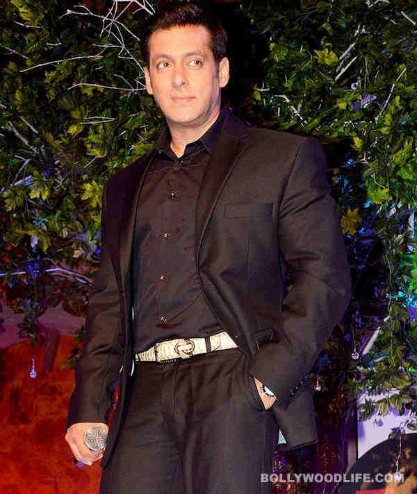 Salman Khan pets atiger!