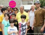 Ganesh Visarjan 2014: Bang Bang actor Hrithik Roshan bids farewell to Lord Ganesha with family-viewpics!