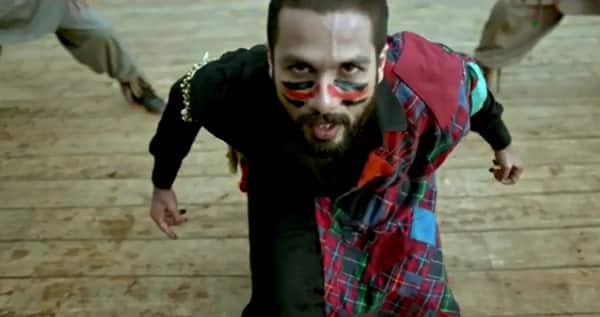 Haider making video: Shahid Kapoor, Shraddha Kapoor and Vishal Bharadwaj have freaky fun in freezing cold!