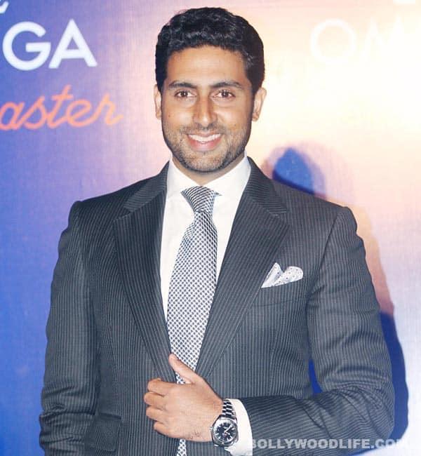 Abhishek Bachchan gifts smartphone to his kabaddi team and coach