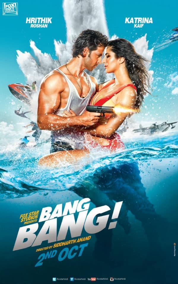 Hrithik Roshan and Katrina Kaif give away autographed Bang Bang posters to fans