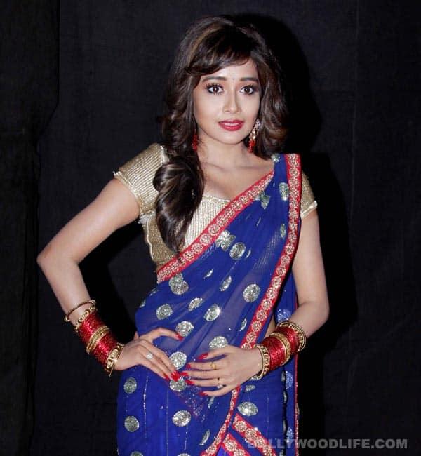 Tina Dutta welcomes Ganpati Bappa to her home