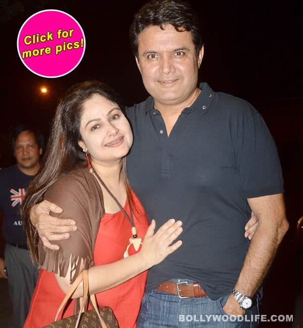 Ayesha Jhulka attends crab festival with friends and family!