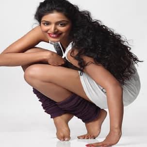 Padmapriya takes a plunge into marital bliss