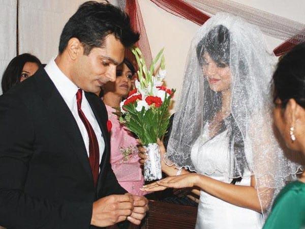 Karan Singh grover and Jennifer Winget (4) Karan Singh Grover And Jennifer Winget In Dmg