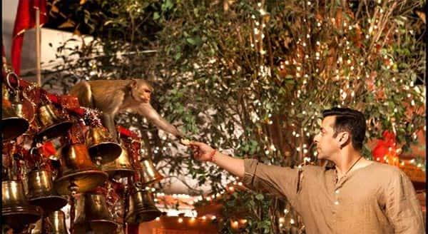 Caught candid: Salman Khan on the sets of Bajrangi Bhaijaan – view pic!