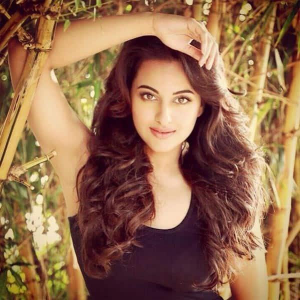 Sonakshi Sinha turns singer for Arjun Kapoor's Tevar!