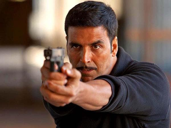 STOP! Or else Akshay Kumar will shoot you with his REAL gun!