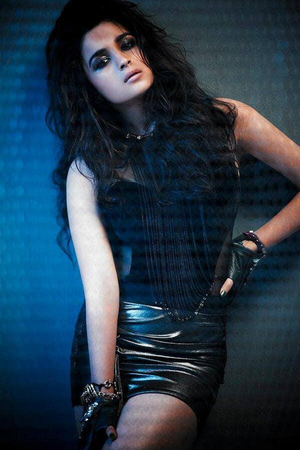 5 ways in which Alia Bhatt stole Priyanka Chopra, Deepika Padukone and Shraddha Kapoor's thunder!