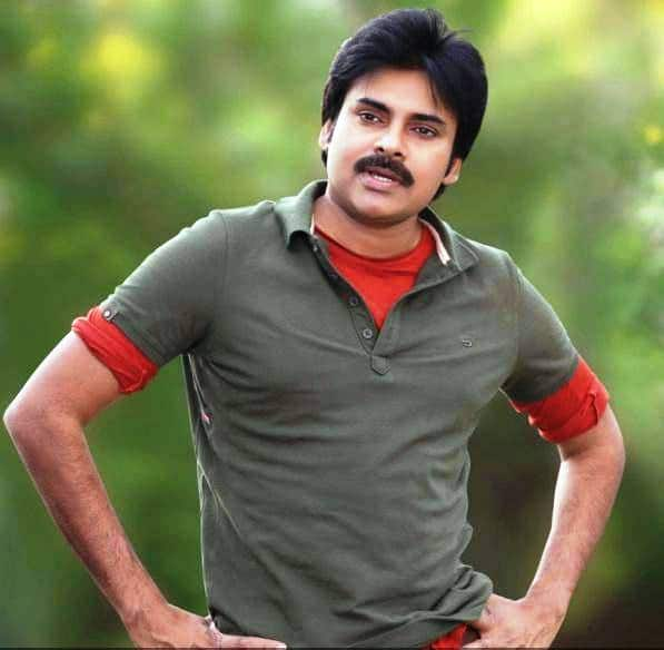 OMG: Pawan Kalyan's fan stabbed at Gopala Gopala audio launch!