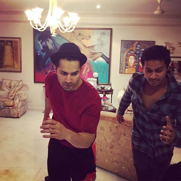Revealed: Details of Varun Dhawan's performance at Filmfare 2015