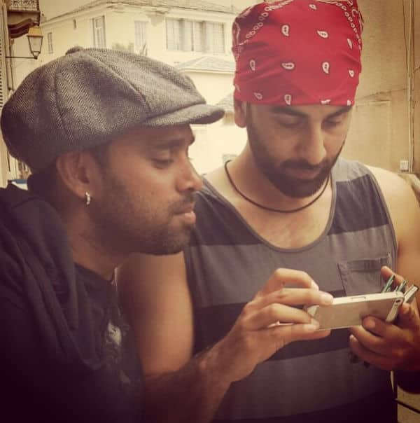 Is Ranbir Kapoor taking Twitter lessons from choreographer Bosco Martis? View pic!