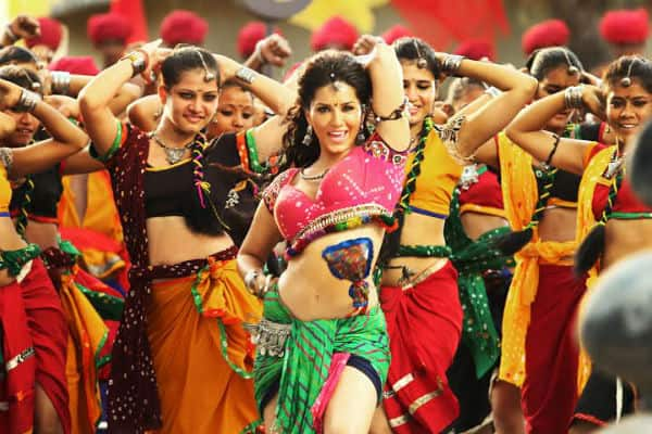 Sunny Leone's Ek Paheli Leela trailer crosses 10 million views and is still counting!
