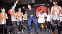 Varun Dhawan dances on Indian Cancer Society's 64th Founders Day Celebration – View pics!