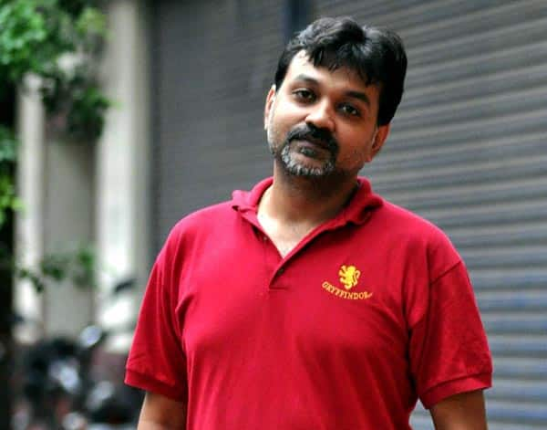 National Award winner Srijit Mukherji meets with an accident, sustains leg injury!