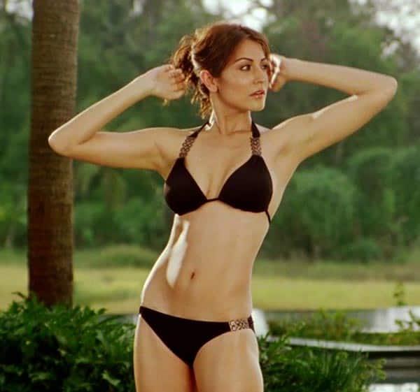 Deepika padukon in bikini