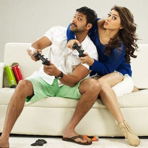 Romeo Juliet movie review: Hansika delivers a memorable performance in an otherwise predictable love story!