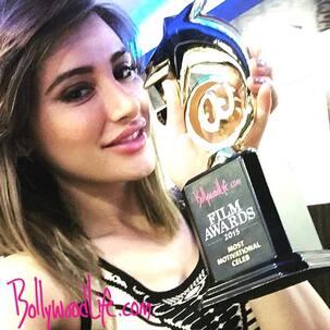 Nargis Fakhri wins Most Motivational Celeb on Social Media: BollywoodLife Awards 2015